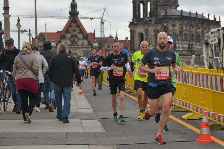 Die barocke Kulisse der Stadt ist für viele Lauffreunde ein besonderer Anreiz, in Dresden zu starten.Foto: Cristian Juppe