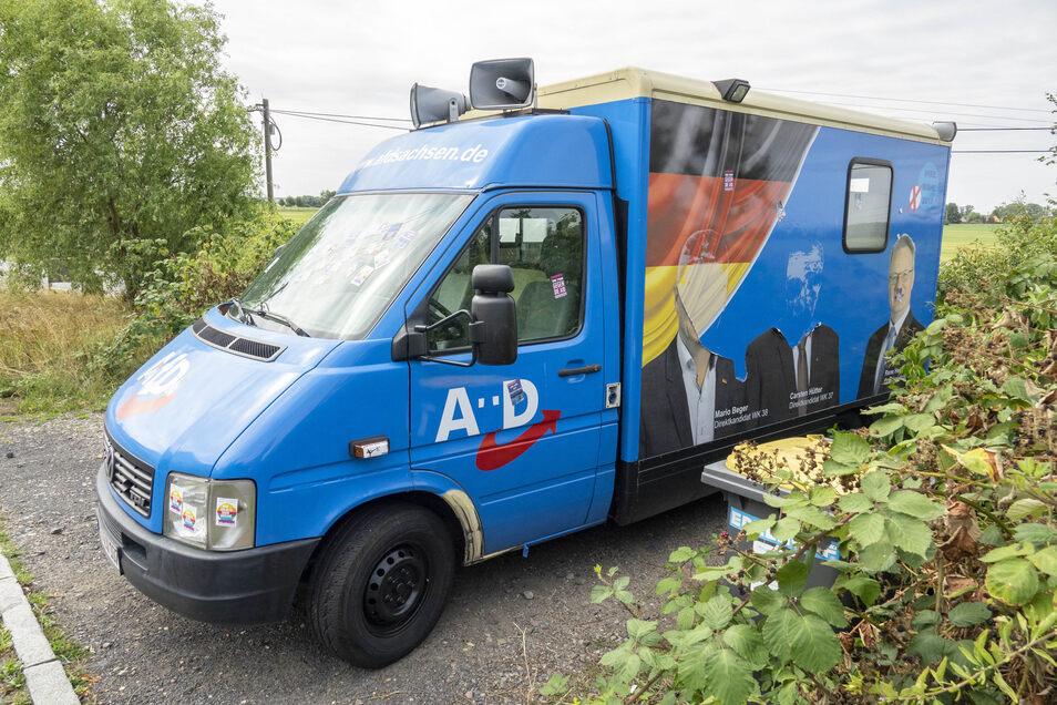 In Nünchritz wurde ein Bus der AfD beschädigt. Nicht das einzige Vergehen in diesem Landtagswahlkampf.