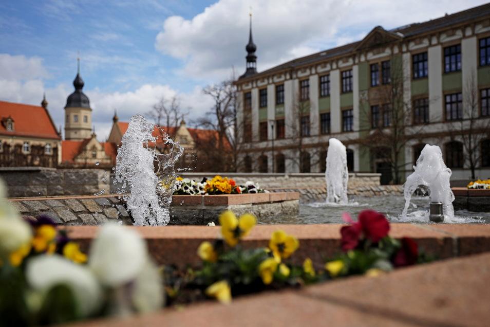 Nicht nur der Brunnen auf dem Riesaer Rathausplatz führt mittlerweile wieder Wasser.