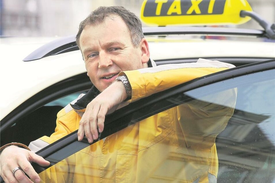Heiko Graf, stellvertretender Vorstand der Taxigenossenschaft Zittau, gehört zu den Fahrern, die sich gegen das Finanzamt in Löbau gewehrt – und gewonnen haben. Künftig müssen sie für Krankenkassenfahrten nur noch sieben statt wie bisher 19 Prozent abführ