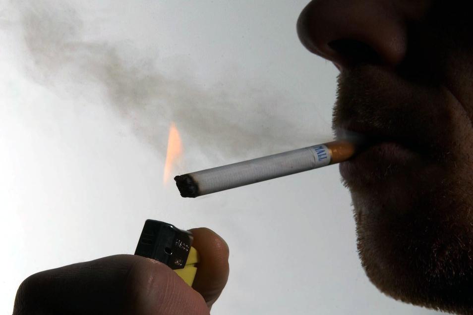 Das Rauchen von Zigaretten ist die verbreitetste Sucht in Deutschland.