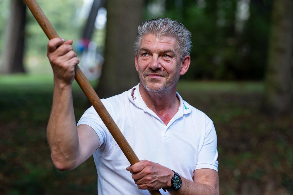 Kleinere Kanäle kann er schon nicht mehr befahren: Gerrit Jericke arbeitet am Spreehafen in Burg.