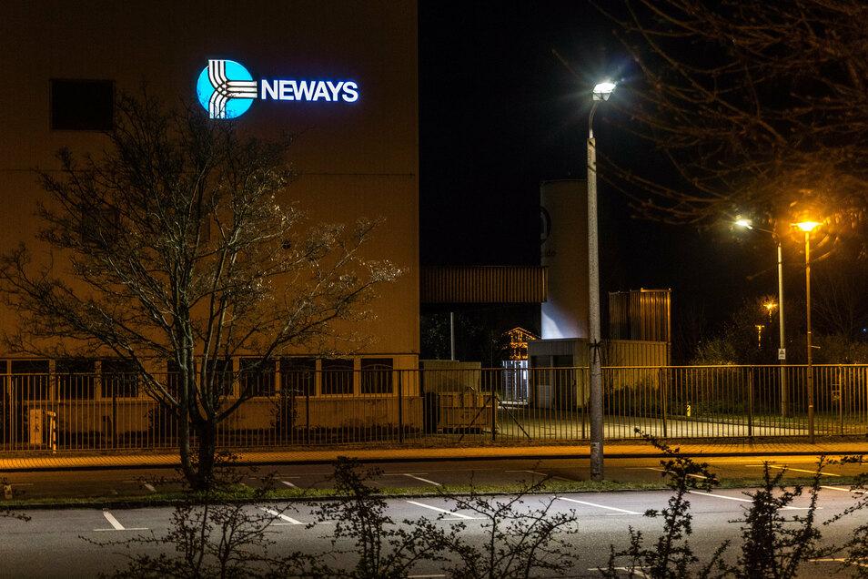 Das Neways-Gelände an der Bayern-und-Sachsen-Straße in Riesa: Am Standort fertigen Hunderte Mitarbeiter elektronische Bauteile.