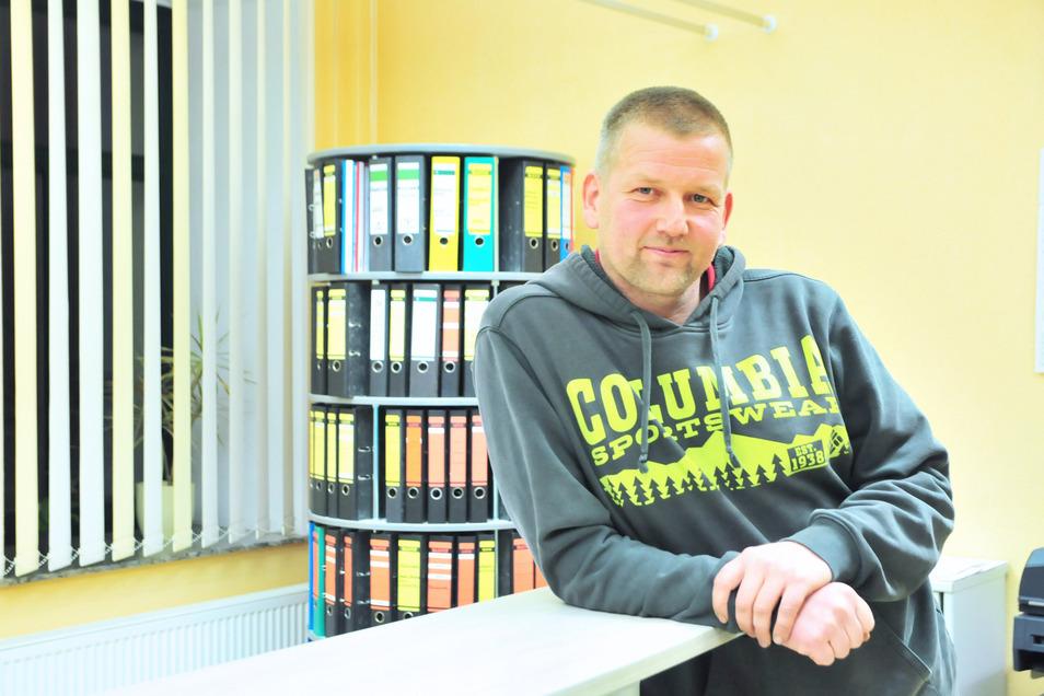 René Venus (parteilos) wurde im September zum Bürgermeister von Lampertswalde gewählt. Über die Zukunft des Schulanbaus will er Eltern und Lehrer nun bei einem runden Tisch informieren.
