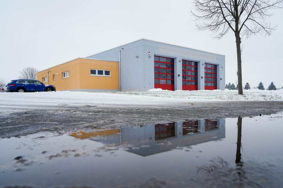 Für rund 1,3 Millionen Euro wurde in Kleinbautzen ein neues Feuerwehrdepot errichtet. Weitere rund 100.000 Euro kostet dessen Inneneinrichtung.
