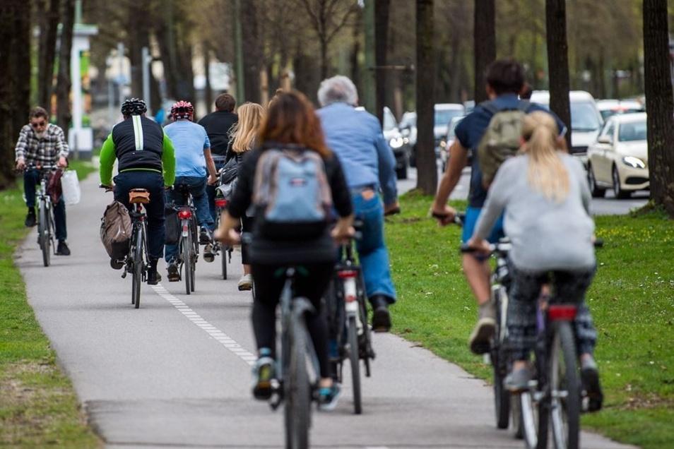 Fahrradfahrer in München: Die bayerische Landeshauptstadt gibt 2,30 Euro pro Kopf und Jahr für den Radverkehr aus.