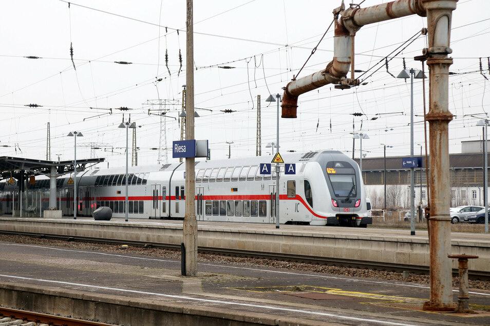 Die Intercity-2-Züge fahren seit Ende 2015 zwischen Dresden und Leipzig. Nun werden sie mit Wlan ausgerüstet.