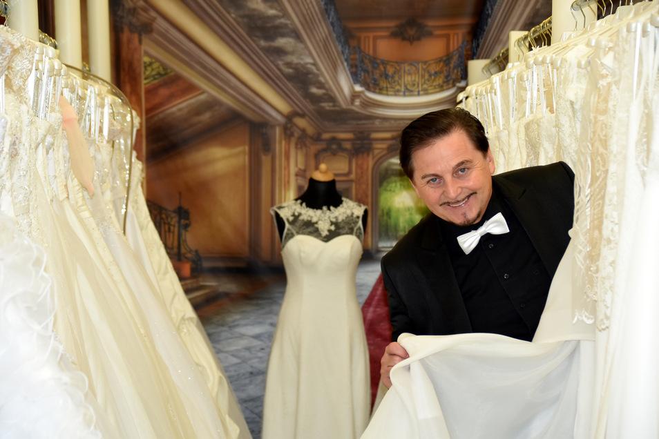 """Uwe Herrmann ist bekannt aus der VOX-Sendung """"Zwischen Tüll und Tränen""""."""
