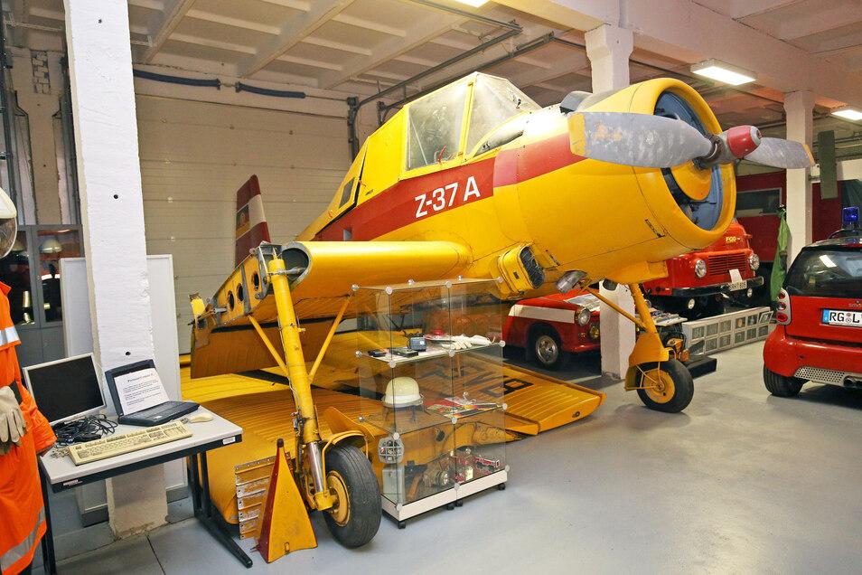 Noch steht das Agrarflugzeug der ehemaligen Interflug mit abgeschraubten Flügeln im hinteren Teil der Fahrzeugausstellung. Bald soll es eine eigene Halle haben.