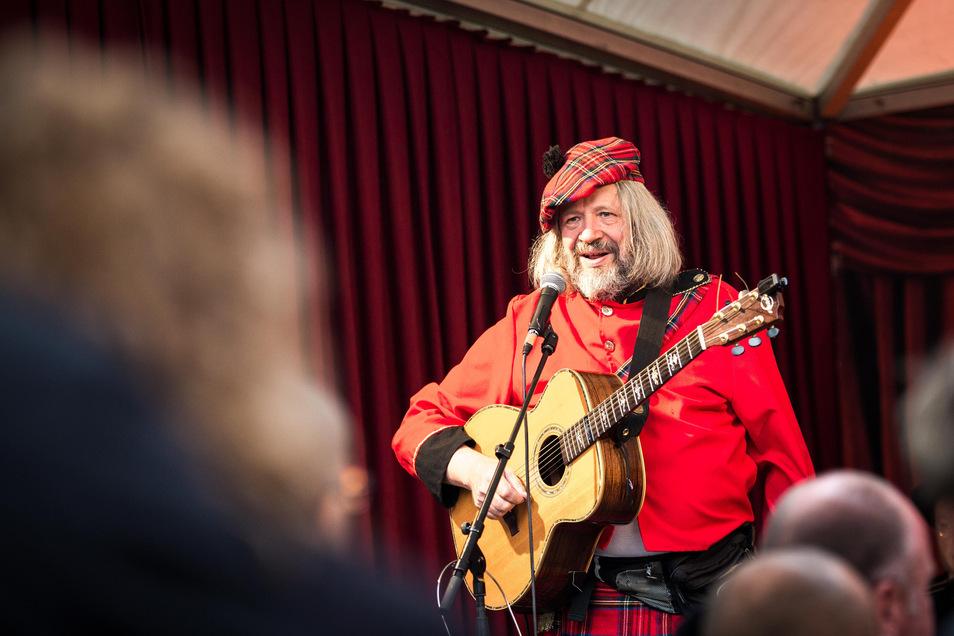 Quatschkultur im Schottenrock: Dieter Beckert von den Elbhangzombies