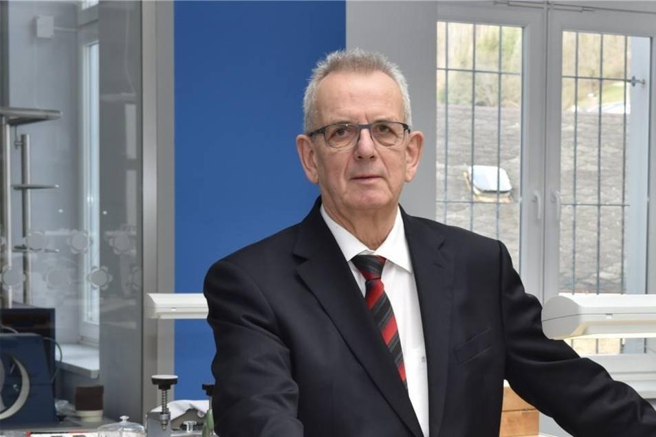 Anfang 2016 ist die Firma C.H. Wolf insolvent. Insolvenzverwalter Helgi Heumann kümmert sich um den Betrieb. Wenig später gelingt es Jürgen Werner, einen Investor für einen Neustart zu finden.