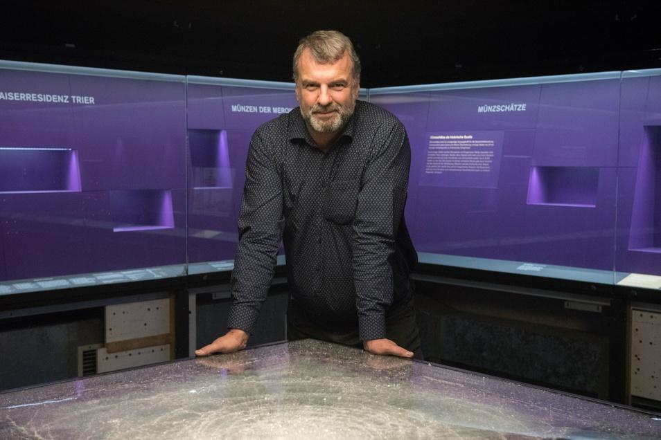 Marcus Reuter, Direktor des Rheinischen Landesmuseums in Trier, war im Oktober 2019 froh, dass die Glasvitrine der rohen Gewalt der Einbrecher standhielt.