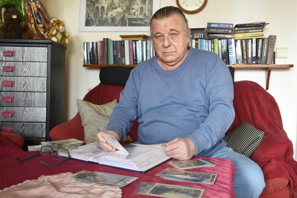 Der 70-jährige Johannes Haase sammelt alte Ansichten der Stadt Bischofswerda. In einer Facebook-Gruppe teilt er sein Wissen mit anderen.