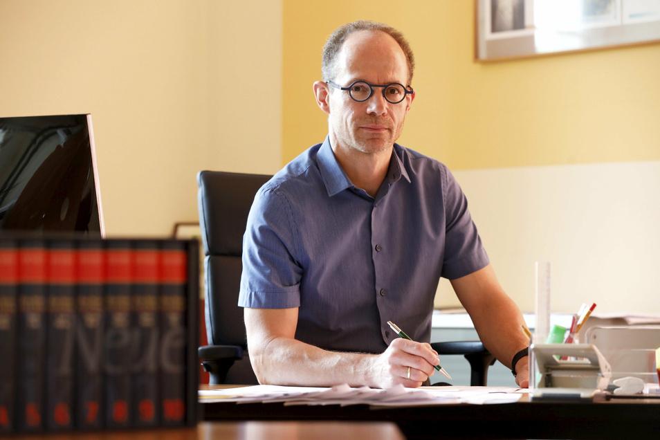 Hat als Schulleiter sein erstes Jahr hinter sich: Torsten Berndt, Leiter des Geschwister-Scholl-Gymnasiums in Löbau. Der Jahrgang schnitt hervorragend ab.