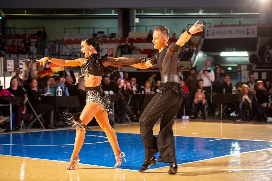 Ausdrucksstark und engagiert: Julia Luckow und Erik Heyden im Finale der Tanz-WM Kombination 10 Tänze in Lyon.