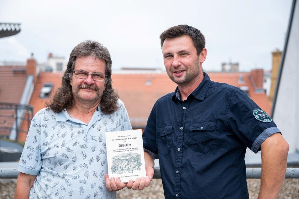 Andreas Herda und sein Sohn Martin Herda: Die beiden haben ein Buch über die Kneipengeschichte der Görlitzer Altstadt geschrieben.