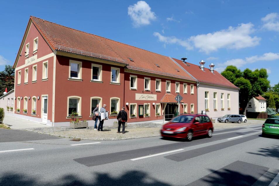 Das Gütchen an der B96 in Mittelherwigsdorf ist nun fertig saniert.