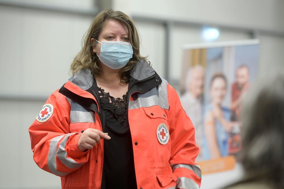 Silke Seeliger vom DRK-Kreisverband Löbau leitet das Impfzentrum des Kreises in der Löbauer Messehalle.