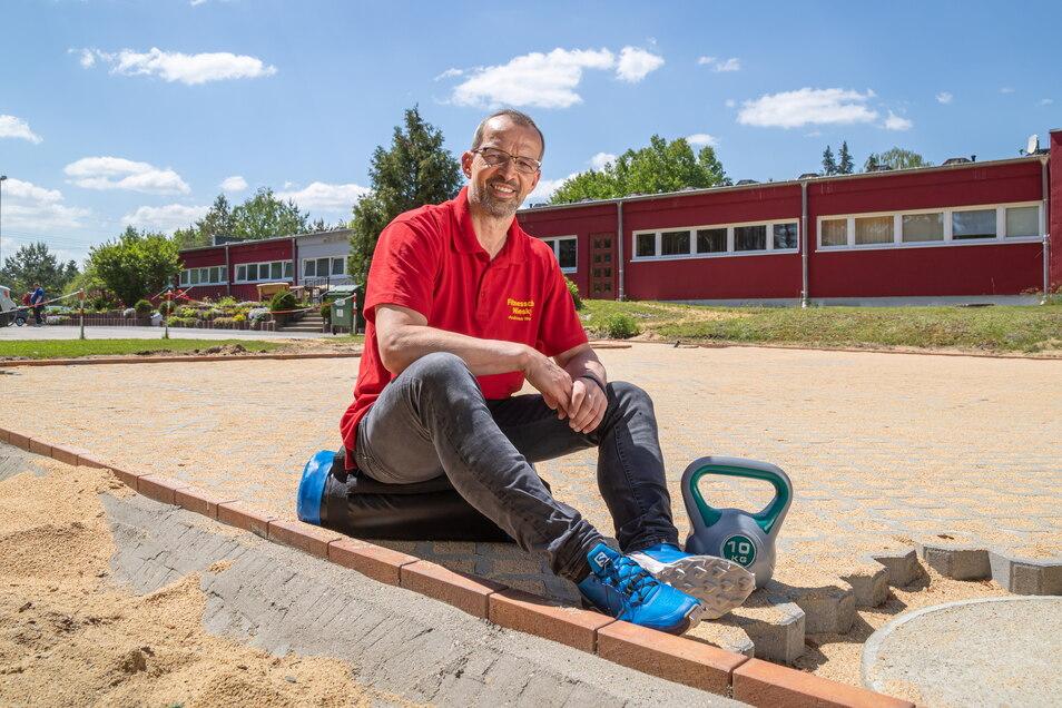 Andreas Wende betreibt den Fitnessclub in Niesky. Er freut sich schon auf die Fertigstellung des Außenbereiches Mitte Juni. Zu dieser Zeit soll es auch wieder Kurse im Fitnessstudio geben. .