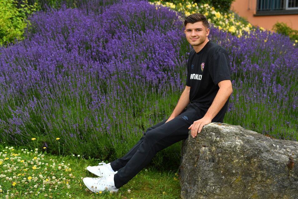 Antonis Aidonis bezeichnet sich selbst als Mentalitätsspieler. Der 20-Jährige ist vom VfB Stuttgart ausgeliehen.