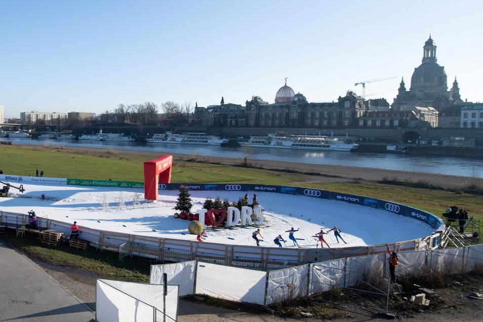 Die barocke Kulisse macht den Ski-Weltcup in Dresden einzigartig. Doch es gibt immer wieder auch Kritik an der Kunstschneeloipe am Elbufer.