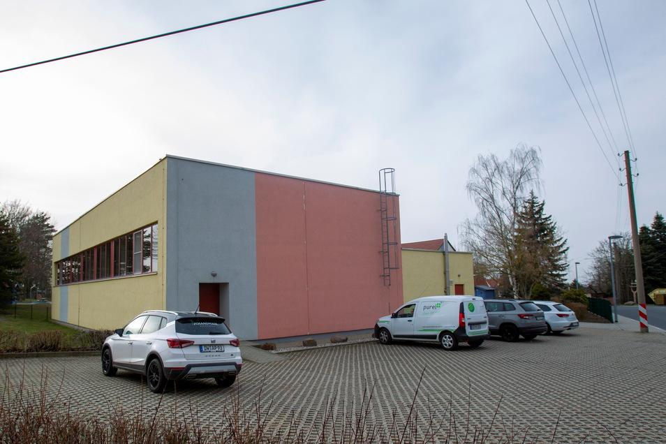 Die Arbeiten an der Turnhalle sollen nach Plänen des Wilsdruffer Rathauses im Herbst abgeschlossen werden.