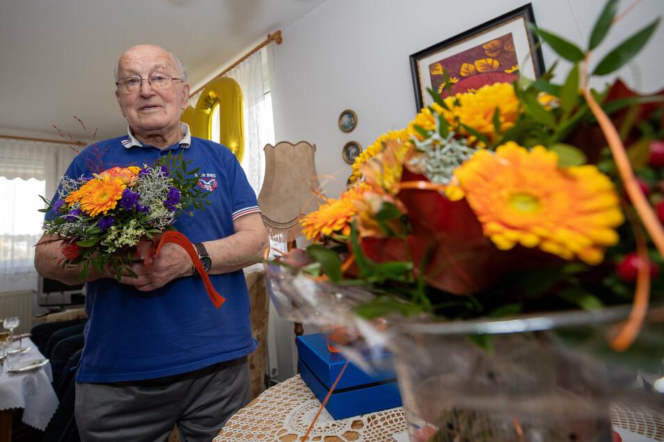 Hermann Thomas nahm am Freitag zahlreiche Glückwünsche entgegen. Er feierte seinen 101. Geburtstag.