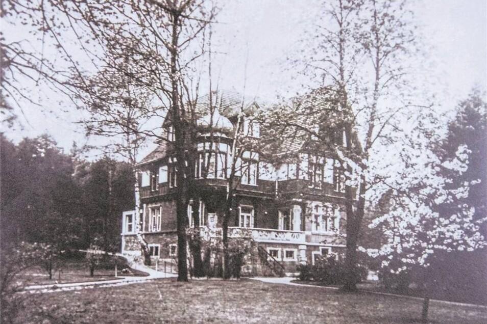 Einst Künstlertreff, wurde die Villa Fliederhof im Dritten Reich zum Schutzraum. Auch der russische Komponist Sergej Rachmaninow fand darin Unterschlupf.