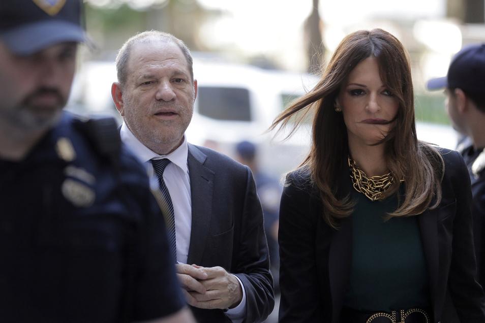 Star-Anwältin Donna Rotunno soll Weinstein vor dem Gefängnis bewahren. Sie versucht, Zweifel an den Geschichten der Frauen zu säen, die angeben, von Weinstein vergewaltigt und sexuell ausgebeutet worden zu sein.