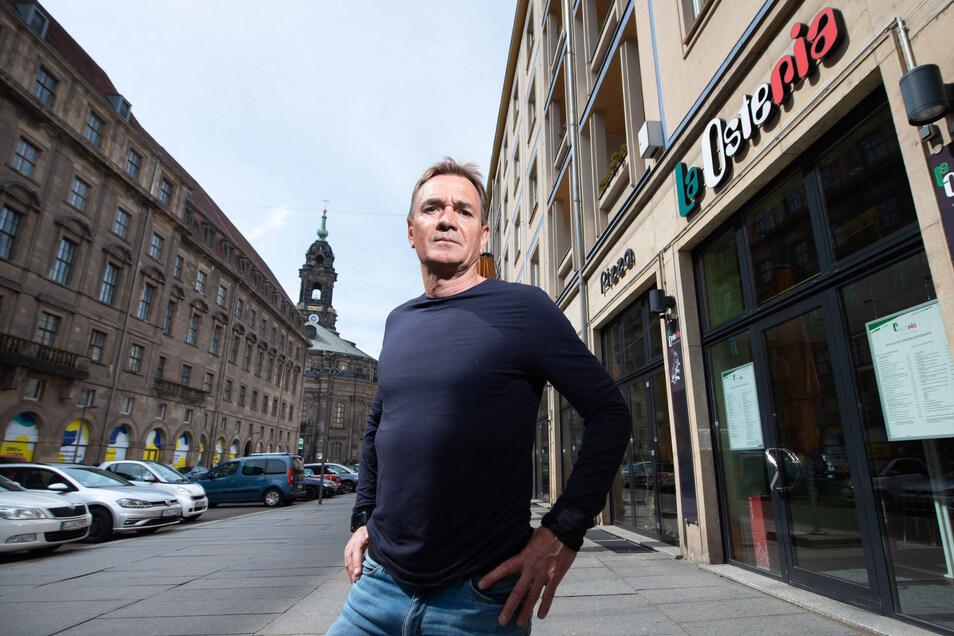 Gerade hat Thomas Widmann das La Osteria auf der Keuzgastraße neu eröffnet, dann musste er es wie seine anderen Dresdner Restaurants schließen - mit drastischen Folgen.