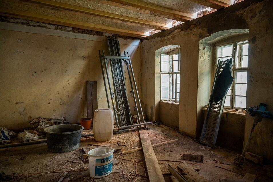 So sieht es im zweiten Stock aus. Damit hier wieder jemand einziehen kann, müsste alles erneuert werden.