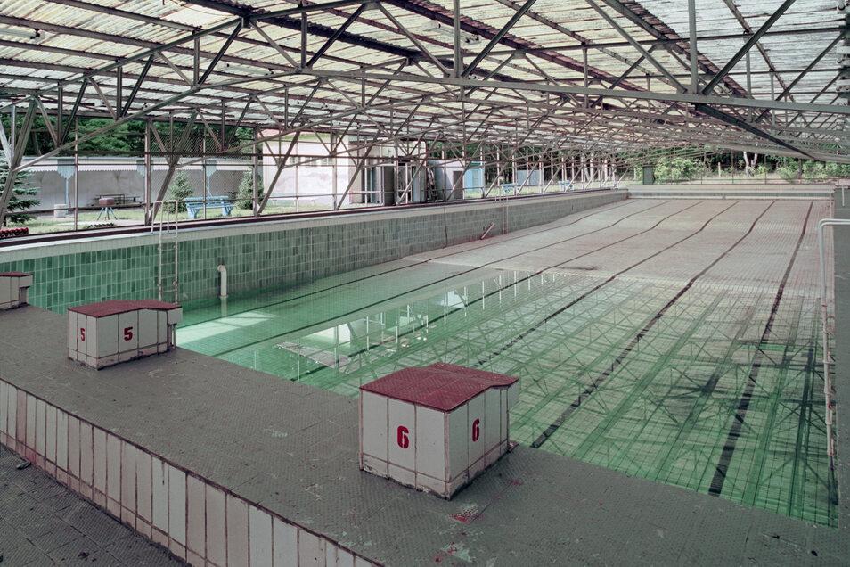 Um 1920 erhielt die Heeressportschule Wünsdorf das Freibad. Das Foto entstand 1994 – heute ist das Bad verfallen.