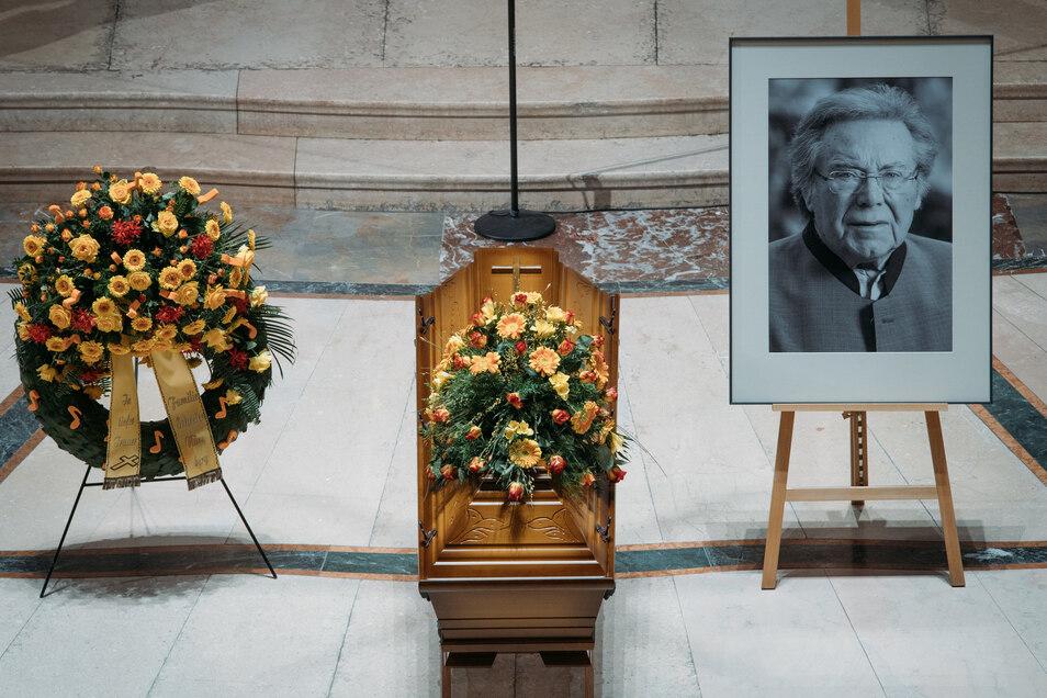 """Zeitlebens blieb Peter Schreier Dresden treu. """"Ein wahrhaft Großer ist von uns gegangen"""", so  Kreuzkantor Roderich Kreile."""