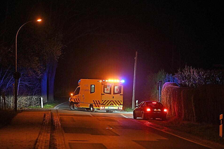 Eine vermisste Rentnerin wurde am Sonntagabend in Großdubrau verletzt gefunden und in ein Krankenhaus gebracht.