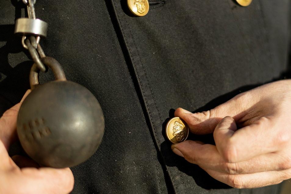 Nicht nur der Ruß bring ein Stück vom Glück. Auch wer am Knopf mit Sankt Florian dreht, kann sich glücklich schätzen.