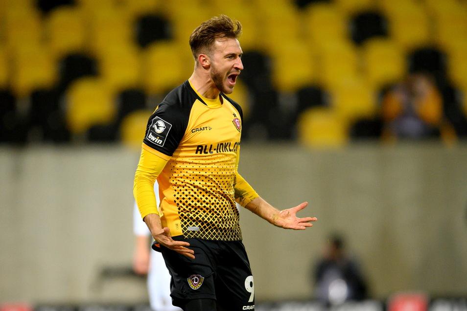 Wie schon am Samstag beim 1:1 gegen Saarbrücken sorgt Pascal Sohm für Dynamos Treffer - der diesmal aber einen 1:0-Sieg im Spitzenspiel gegen Wiesbaden bringt.