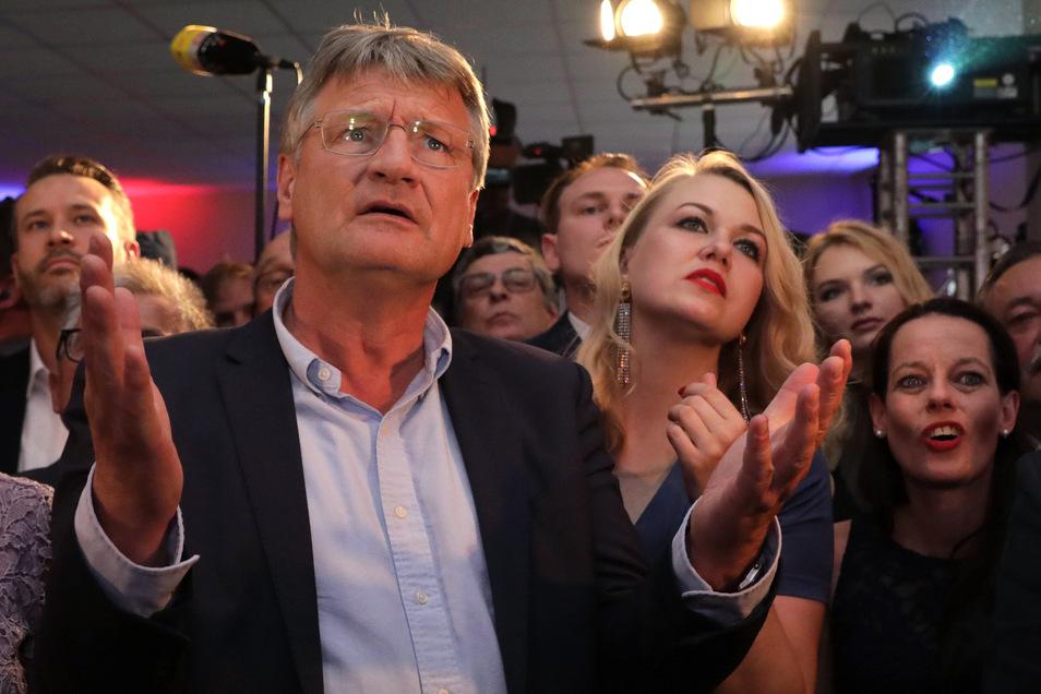 Die Begeisterung hielt sich bei der AfD-Wahlparty in Grenzen. Die Partei hatte bei der Europawahl deutschlandweit mit einem deutlich besseren Ergebnis gerechnet. In Sachsen lief es aber besser.