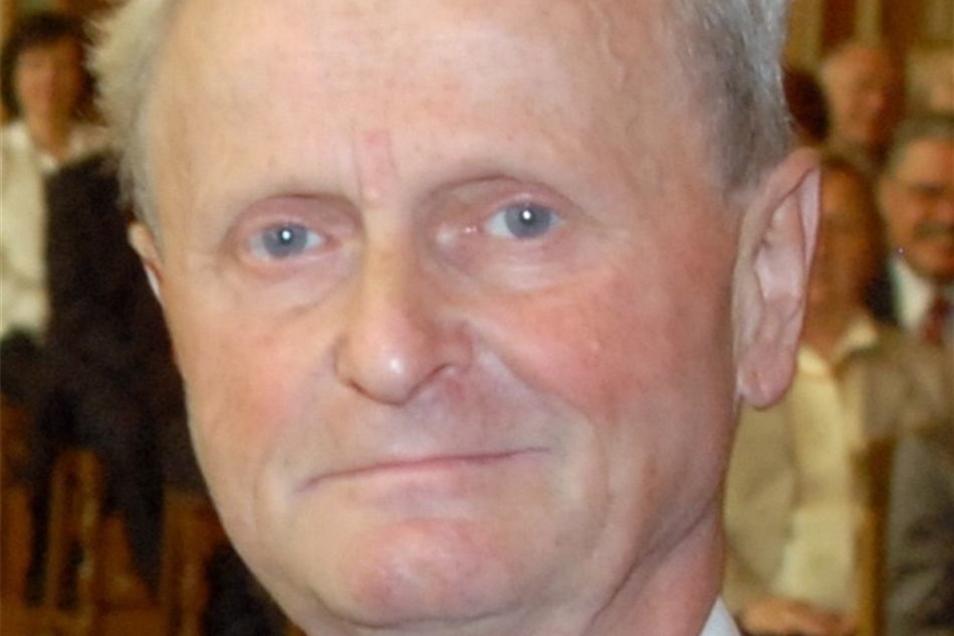 Prof. Rainer HampelRektor von 2003 bis 2010