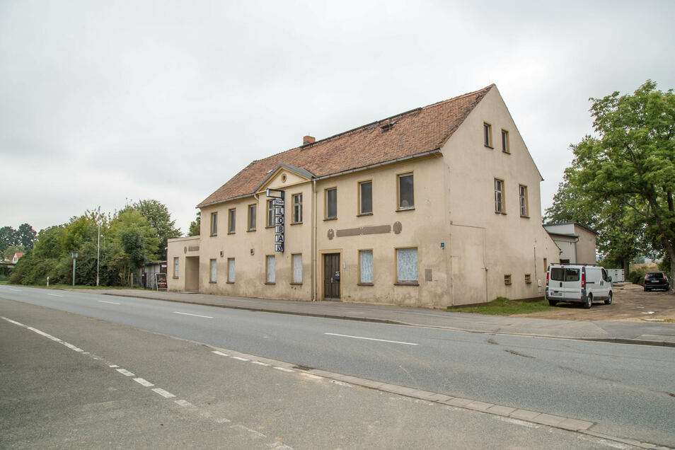 """Das """"Stadt Löbau"""". in Nieder Seifersdorf ist ein Brauhaus geworden. Die Brauerei befindet sich im früheren Saal des Gasthauses. In den nächsten zwei Jahren soll im Erdgeschoss wieder eine Gaststätte einziehen und das Obergeschoss einen Saal bekommen. Der"""