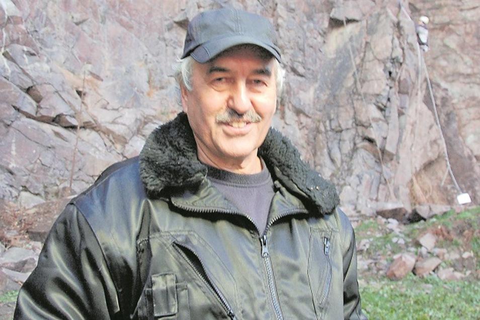 Thomas Löwinger gehört das Klettergelände unterhalb der Begerburg im Plauenschen Grund. Der heute 64-Jährige leitete einst die Nationalmannschaft im Sportklettern. Die Idee für Klettersteige im Plauenschen Grund brachte er aus den Alpen mit.