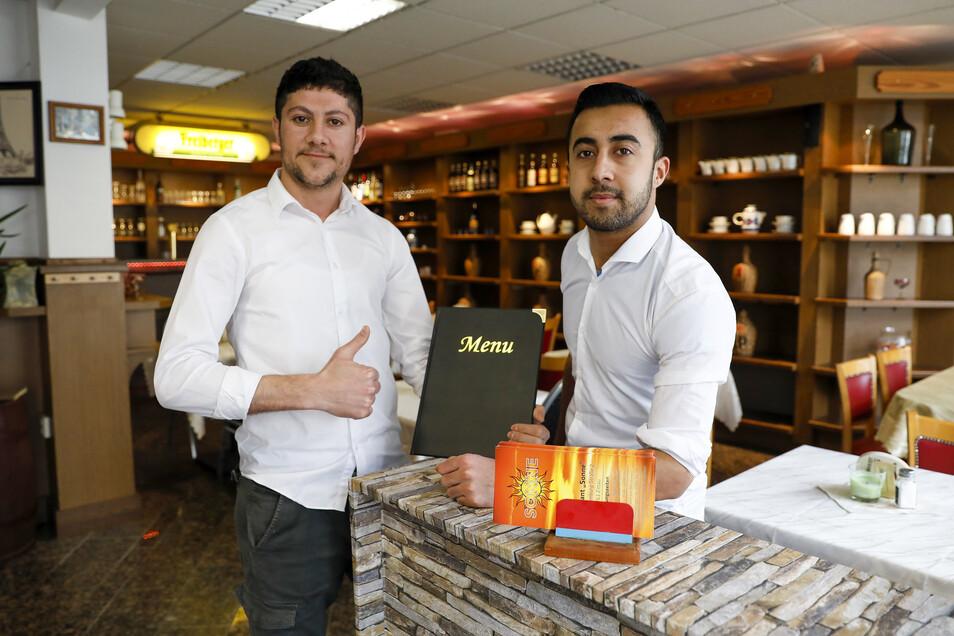 Abdu Jafar und Jarje. freuen sich auf ihre Gäste.