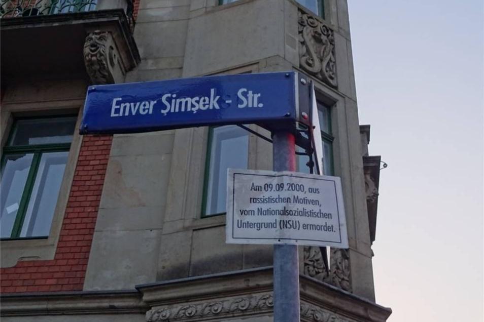 Aus der Gröbelstraße wurde die Enver Simsek-Straße.