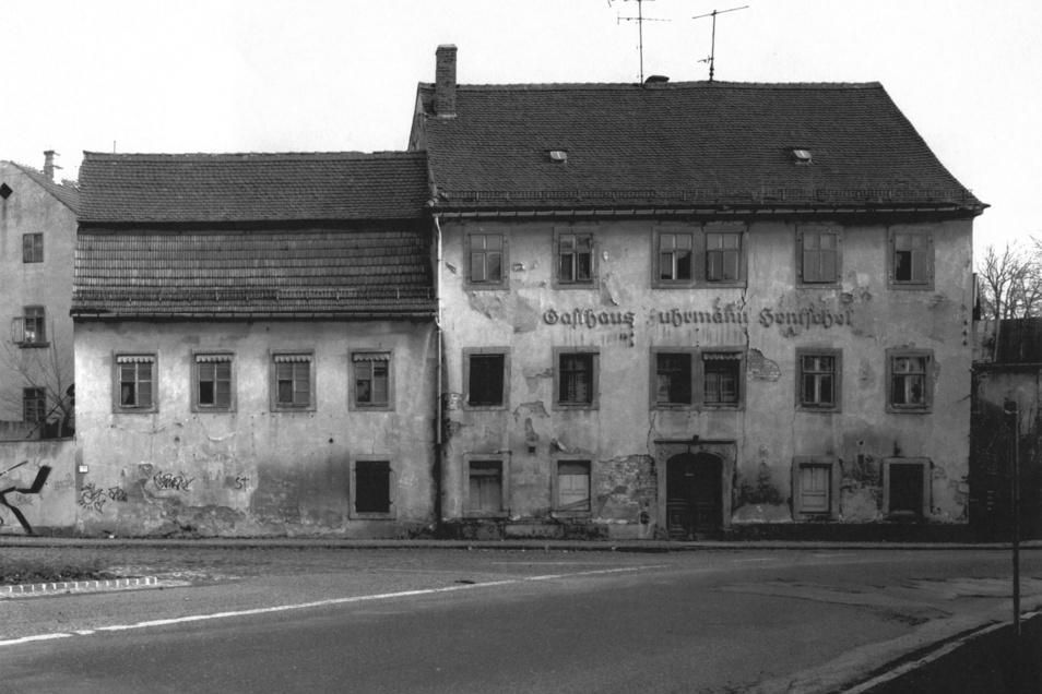 Das Gebäude vom Fuhrmann Hentschel am Abzweig der Äußeren Oybiner Straße in Zittau wurde 2006 abgerissen.