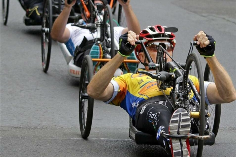 Die Handbiker waren extrem schnell unterwegs. Der Sieger brauchte für den Halbmarathon (21 km) keine 40 Minuten.
