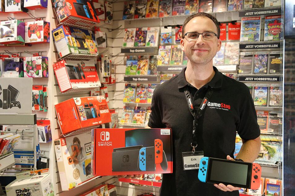 Erik Thust mit aktueller Nintendo Switch.