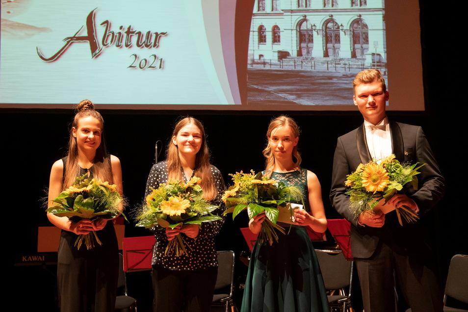 Clara Haase, Elisa Göpfert, Sophie Mahnke und Marc Tanner (v.l.) schafften die Hochschulreife mit dem Abschluss von 1,0.