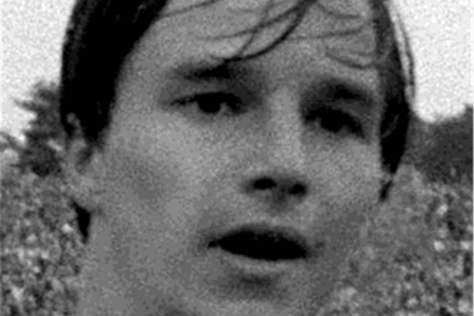 Jörg Stübner Dynamo von 1983 bis 1992 Der Junge mit dem Popperscheitel wird zum Publikumsliebling, begeistert die Fans mit seinem Kampfgeist. Nach der Wende findet er sich nicht zurecht.