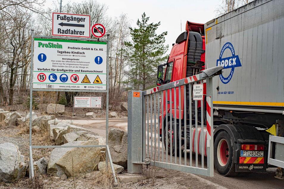 Täglich fahren Laster auf das Gelände von ProStein in Kindisch und verlassen es wieder. Das sorgt für einen entsprechend hohen Lärmpegel. Doch das ist nur ein Ärgernis für Anwohner.