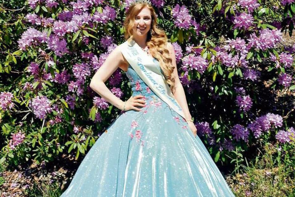 Antonia Jahnke ist seit 2019 als Blütenkönigin von Kromlau im In- und Ausland offizielle Repräsentantin des Ortes, seines Parks sowie der Region.