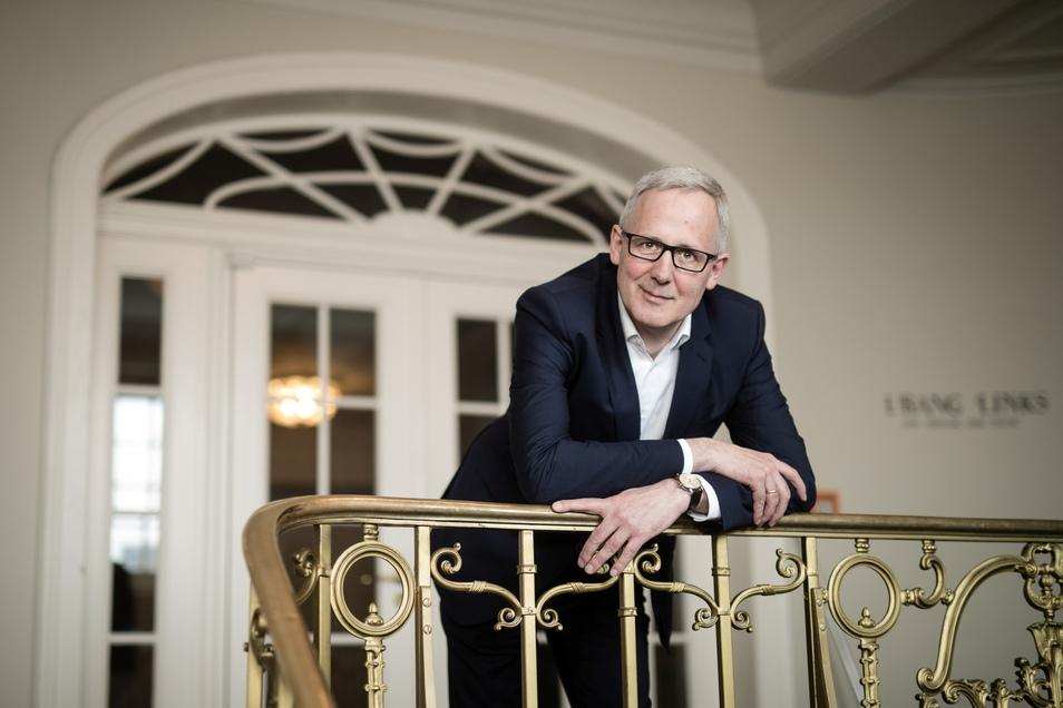 Staatsschauspiel-Intendant Joachim Klement plant die Spielzeit, als wäre keine Pandemie.
